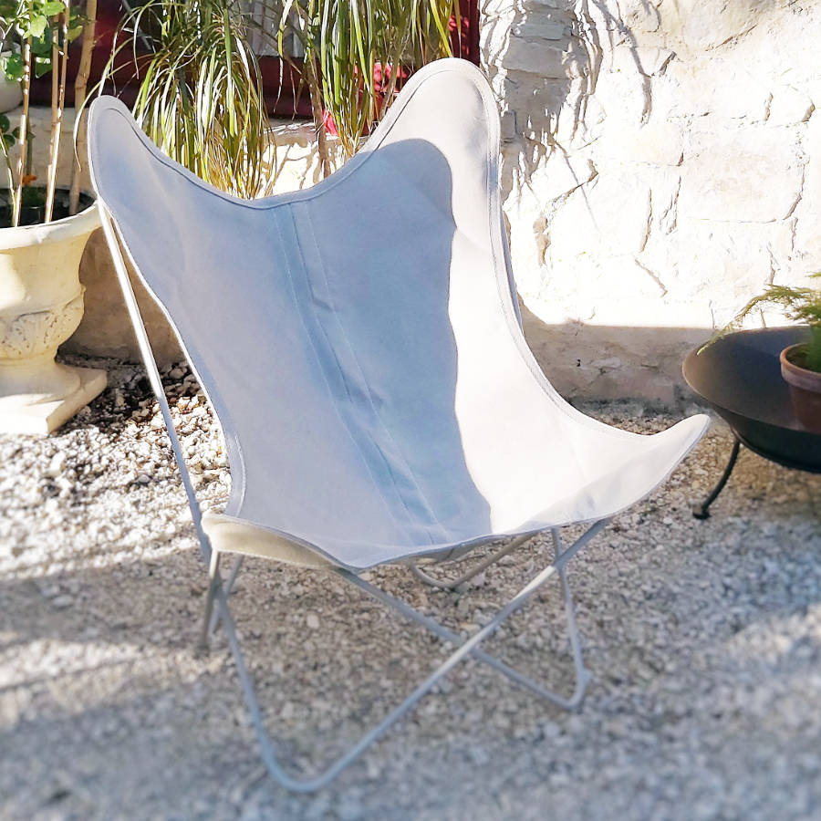 Fauteuil AA Butterfly structure blanche housse toile blanche